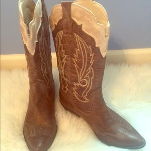 Shoes - Women's Cimmaron Coconut Cowboy Boot